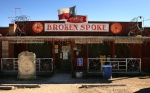 The Broken Spoke -- the last great Texas boot-scootin' honky-tonk